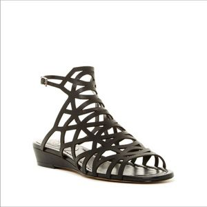 NIB Vince Camuto gladiator sandals black - 5.5